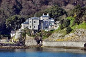 Dawn French's house - Fowey harbour